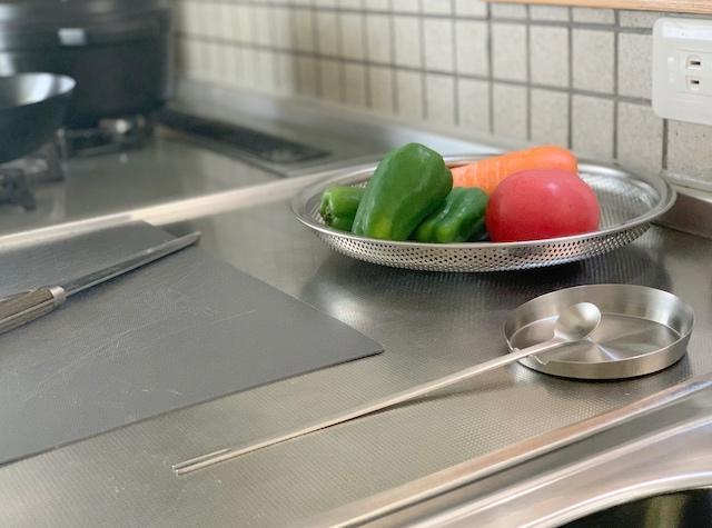 便利さにびっくり!「家事問屋 味見スプーン」名前以上の多用途な5通りの使用法とは