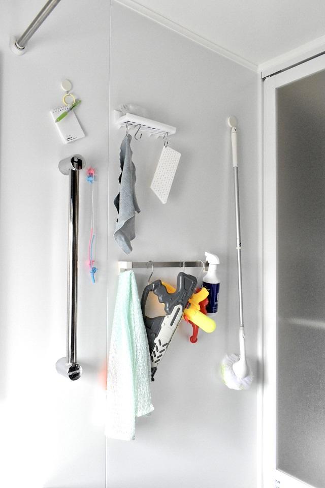 掃除道具を浴室内に置かない理由がない?! これだけのメリットとデメリット解消法
