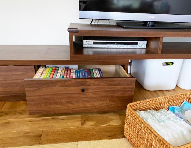 テレビ台を子ども専用スペースにしたら大人のストレス激減!固定観念に縛られないテレビ台の活用法